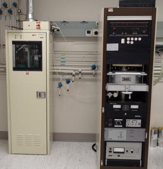 Picture of the plasma enhanced chemical vapor deposition system in the Owen cleanroom.